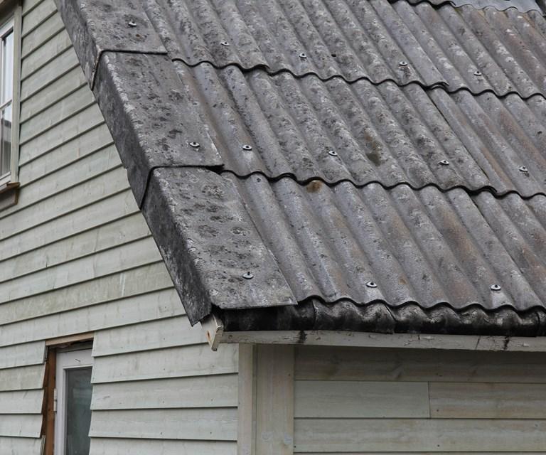 Herlig Eternitt på tak og vegg - Bygg og Bevar SY-44