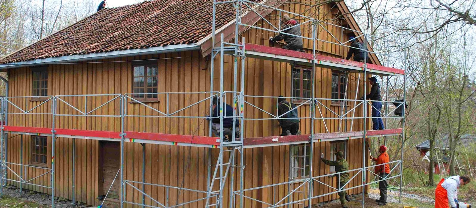148462a8 Malingsfjerning på utvendig panel - Bygg og Bevar